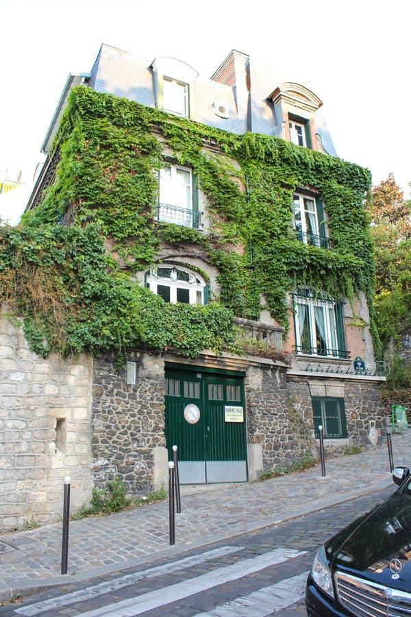 Paryż Francja, WRZESIEŃ, - 04, 2012: Środkowe ulicy Paryż zdjęcia royalty free