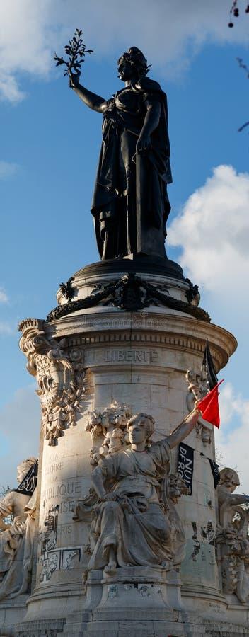 Paryż, miejsca De Los angeles Republique statuy obraz stock