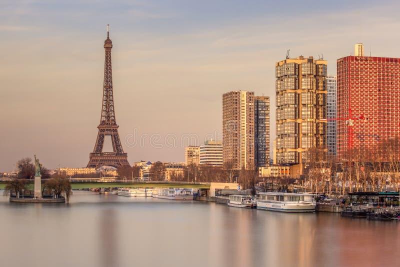 Paryż od 'Pont Mirabeau' fotografia stock