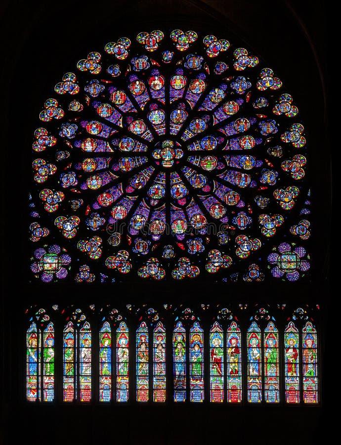 PARYŻ, PAŹDZIERNIK - 25, 2016: Południa różany okno Notre Damae katedra obraz stock