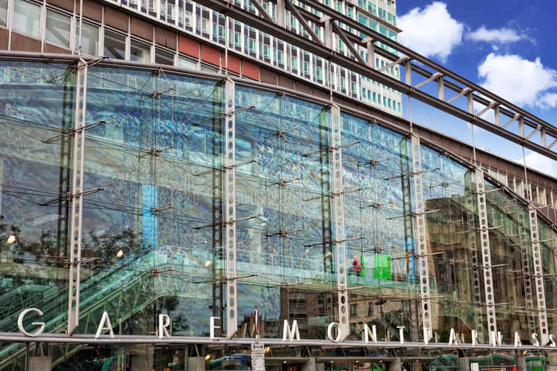 Paryż taborowa Sztachetowa stacja - Gare Montparnasse. Francja obraz royalty free