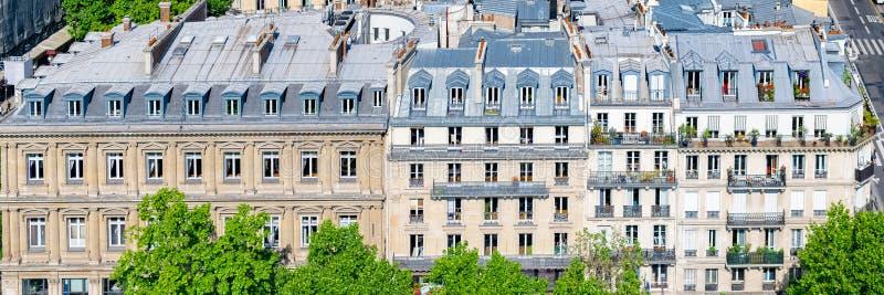 Paryż, typowi dachy, piękni budynki obraz stock