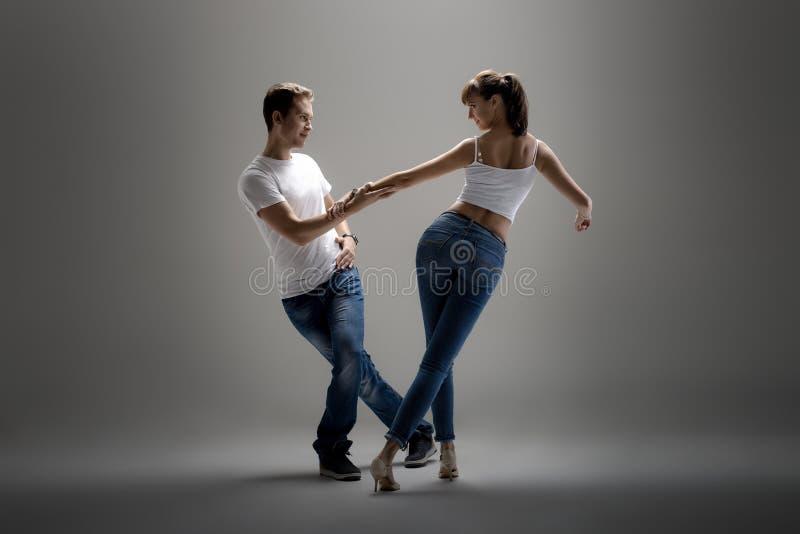 Pary dancingowy ogólnospołeczny danse obrazy royalty free