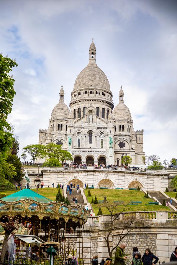 Pary?, Francja - 24 04 2019: Bazylika Sacre Couer przy Montmartre w Pary?, Francja obraz stock