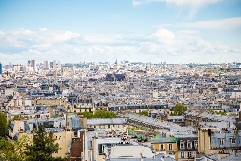Pary?, Francja - 24 04 2019: Pi?kny widok z lotu ptaka Pary? od Sacre Couer, Pary?, Francja obraz royalty free
