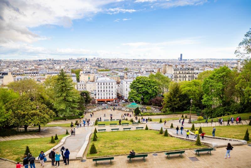 Pary?, Francja - 24 04 2019: Pi?kny widok z lotu ptaka Pary? od Sacre Couer, Pary?, Francja obrazy stock