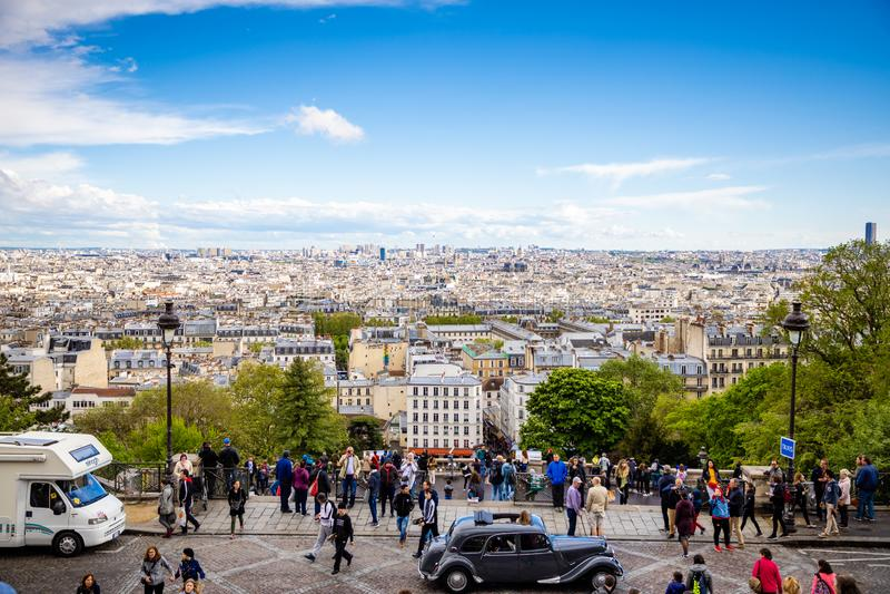 Pary?, Francja - 24 04 2019: Pi?kny widok z lotu ptaka Pary? od Sacre Couer, Pary?, Francja obrazy royalty free