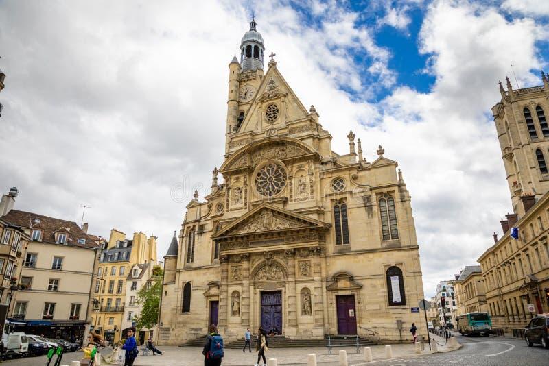 Pary?, Francja - 24 04 2019: Saint Etienne Du Mont Kościół w łaciny ćwiartce, francuski gothic kościół w chmurnym dniu, Paryż fotografia stock