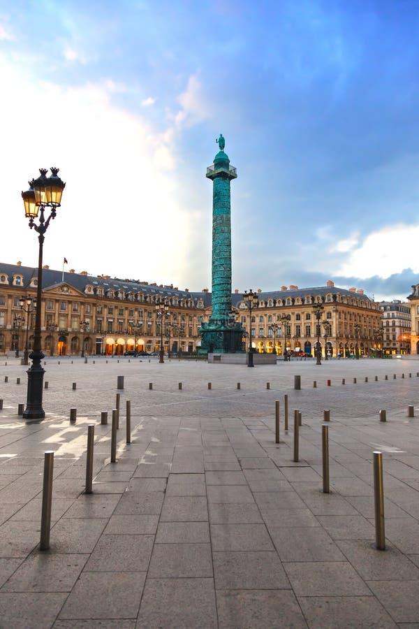 Download Paryż, Na Zmierzchu Kwadratowy Vendome Punkt Zwrotny. Francja Obraz Stock - Obraz: 27825561