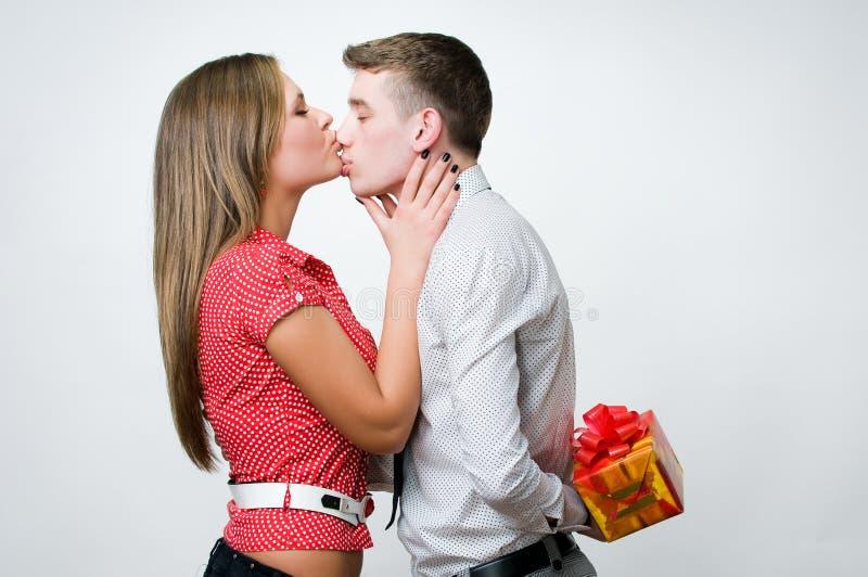 pary piękny całowanie zdjęcie stock
