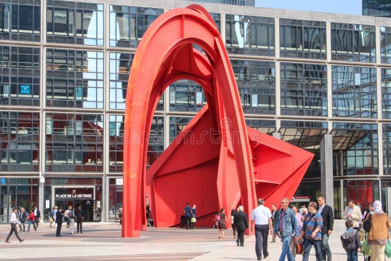 PARYŻ, WRZESIEŃ - 04: Turyści chodzi w głównym placu fotografia royalty free