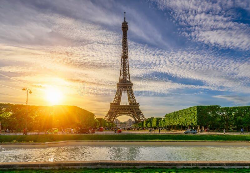 Paryska wieża eifla i champ de mars w Paryż, Francja fotografia royalty free