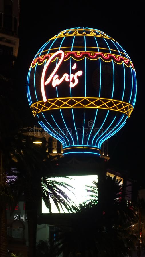 Paryski gorące powietrze balon przy nocą na Las Vegas pasku obraz stock