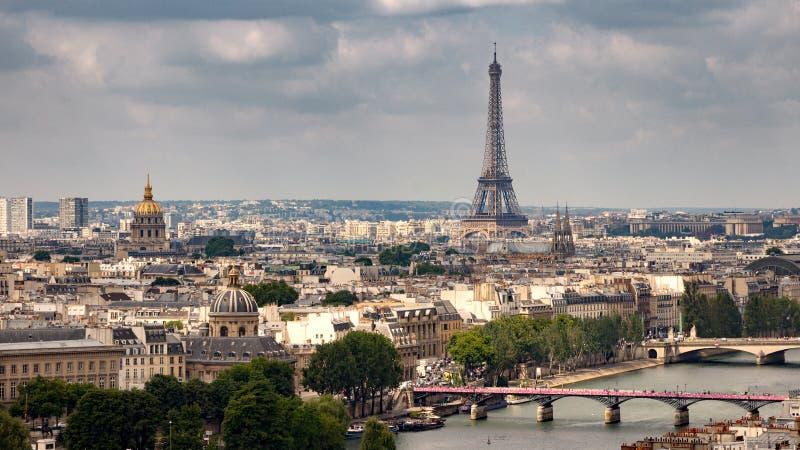 Paryski linii horyzontu Eifel wierza Francja zdjęcie royalty free