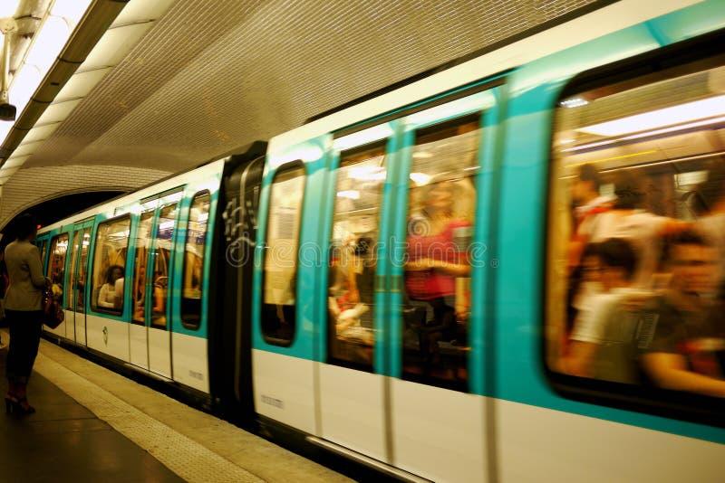 Paryski metro pociąg fotografia royalty free