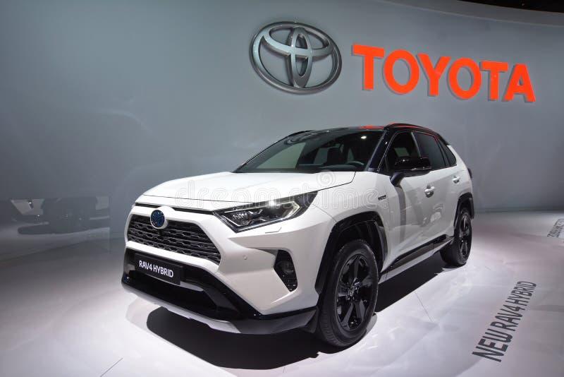Paryski Motorowy przedstawienie 2018 - Toytoa RAV4 hybryd zdjęcia royalty free