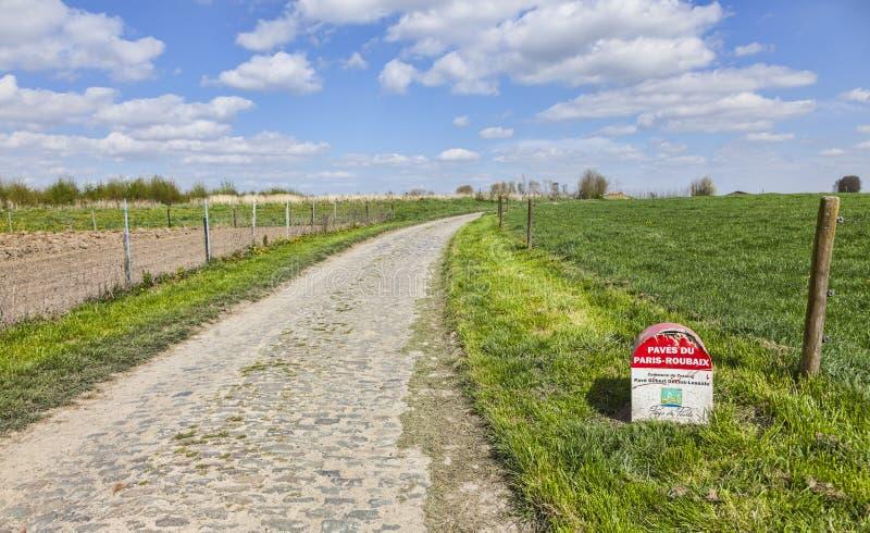 Download Paryski Roubaix Kamień Milowy Zdjęcie Editorial - Obraz: 39590271