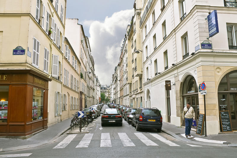 Pas ruchu w centrum Paryż. fotografia stock