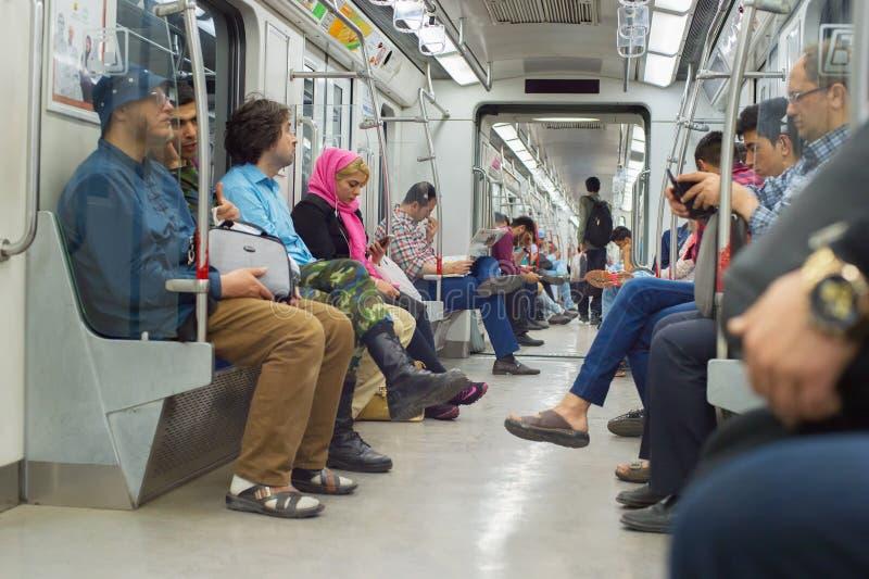 Pasażer wśrodku metro pociągu tehran zdjęcia stock
