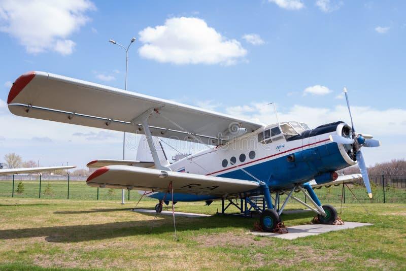 An-2 pasażerski samolot obrazy royalty free