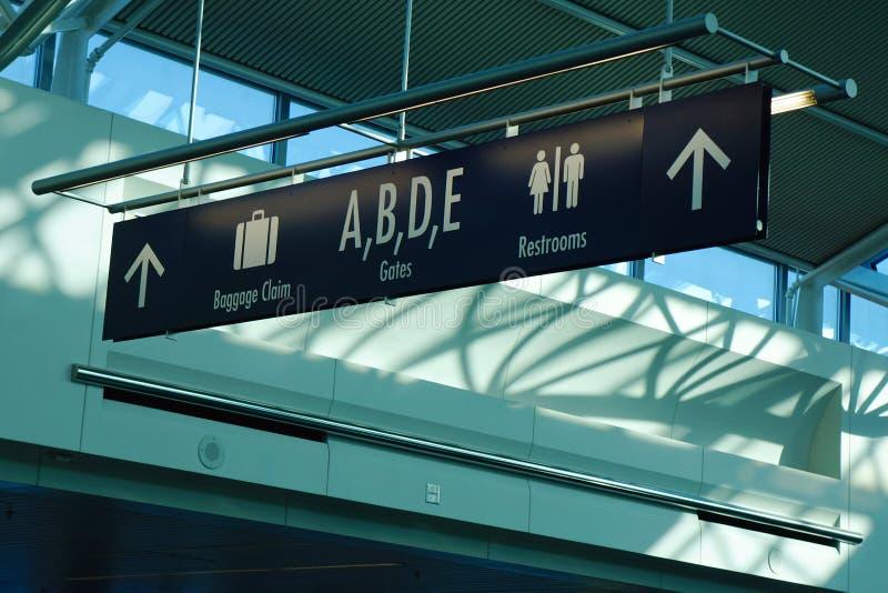 Pasażerski signage w Portlandzkim lotniskowym terminal obrazy stock