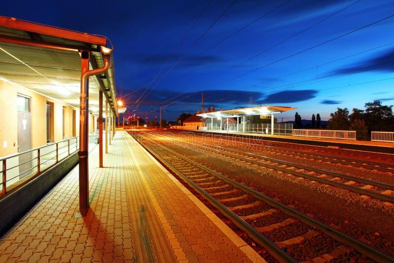 pasażerskiej staci pociąg zdjęcia stock