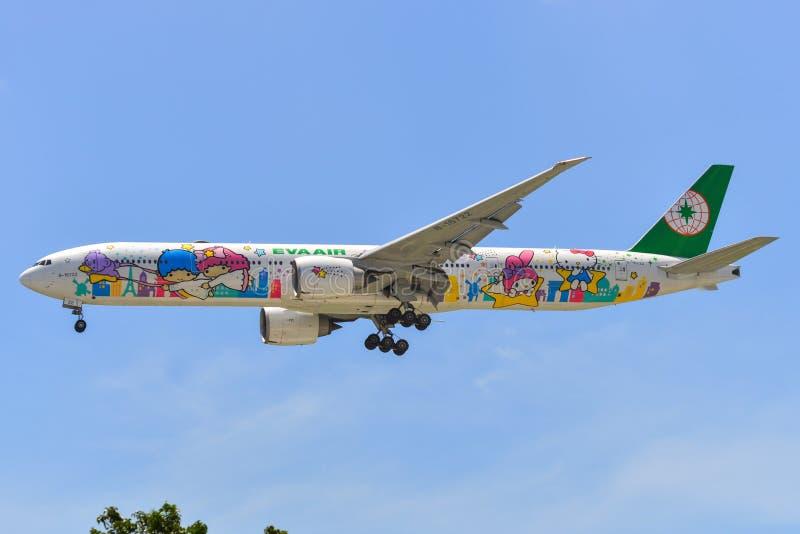 Pasa?erski samolotowy l?dowanie przy Changi lotniskiem obrazy stock