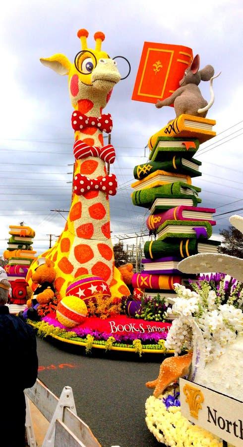 Pasadena Kalifornien turnering 2017 av rosor ståtar flöte`-musen som undervisar den myopiska giraffet att läsa ` * Januari 2, 201 royaltyfri fotografi