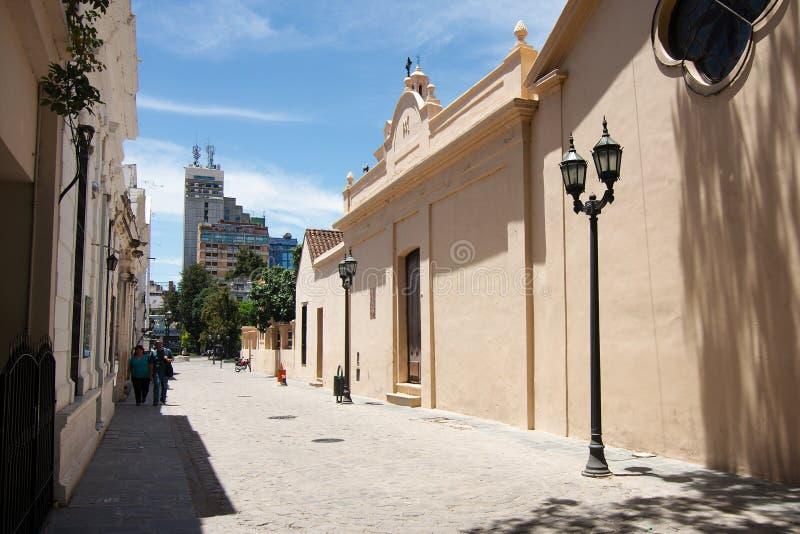 Pasaje Santa Catalina é uma aleia histórica situada entre a catedral da cidade e o Cabildo imagem de stock royalty free