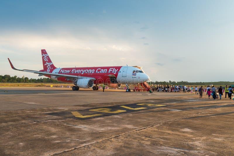 Pasajero del cargamento del avión de Airbus de Air Asia imagen de archivo