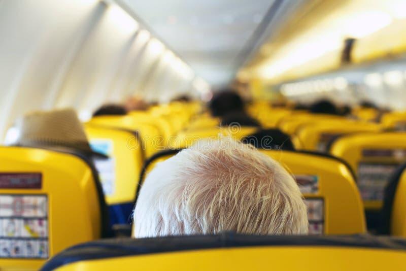 Pasajero en el aeroplano foto de archivo libre de regalías
