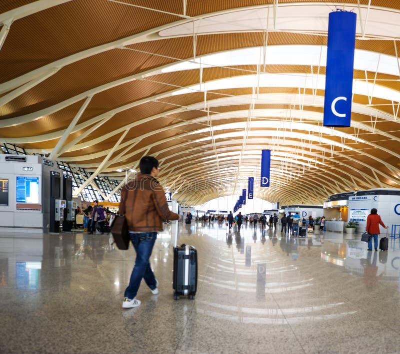 Pasajero en el pudong airport fotografía de archivo