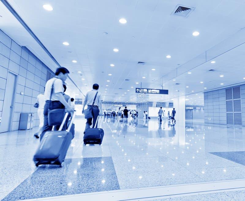 Pasajero en el pudong airport fotos de archivo
