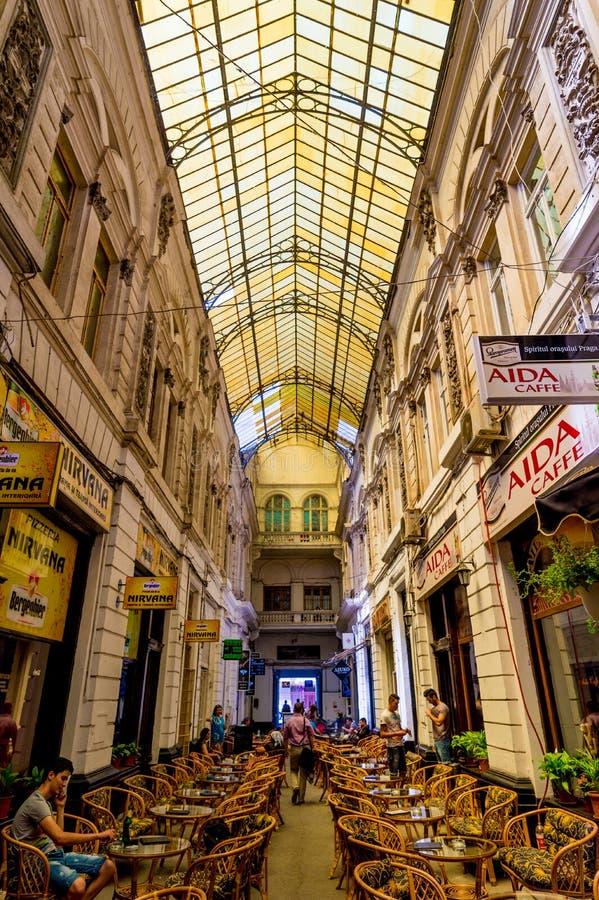 Pasajul Macca-Vilacrosse Bucharest Rumänien royaltyfri foto