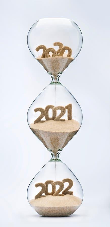 Pasando en el Año Nuevo 2021, 2022 imagen de archivo libre de regalías