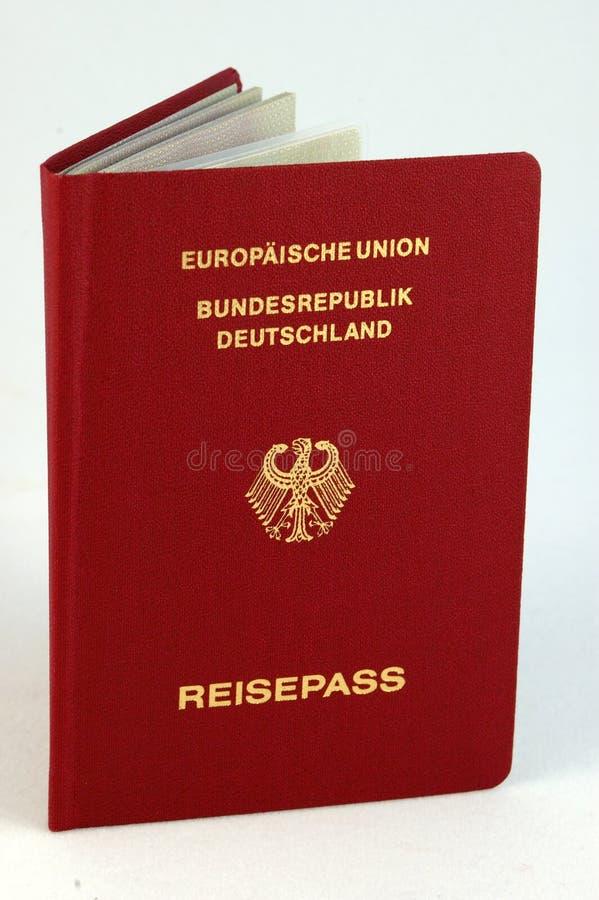 Pasaporte alemán imagen de archivo libre de regalías