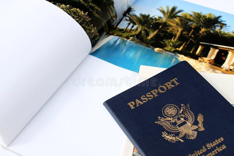 Pasaporte con el fondo del compartimiento fotografía de archivo libre de regalías