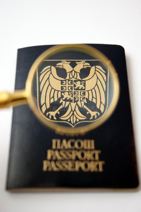 Pasaporte con la charla, blasón de cristal, águilas imagen de archivo libre de regalías