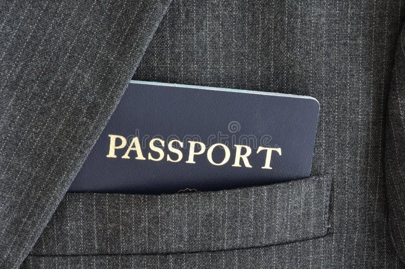 Pasaporte en bolsillo de la capa del juego fotos de archivo libres de regalías