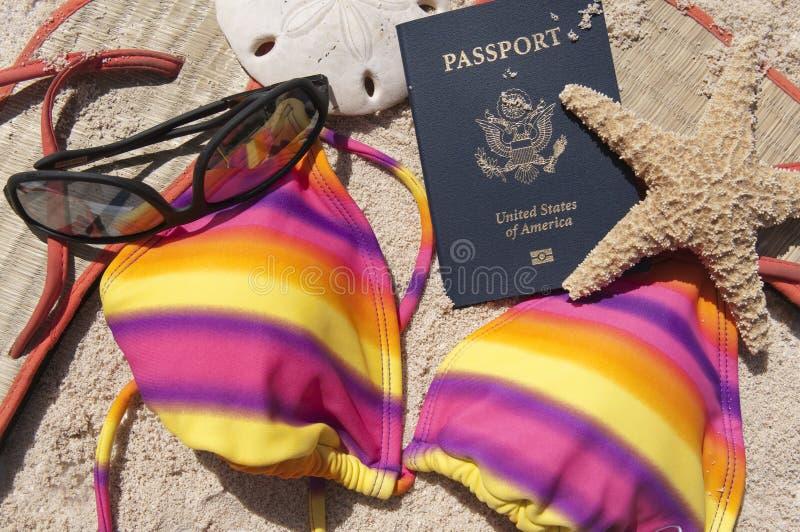 Pasaporte y juego de natación   imagen de archivo libre de regalías