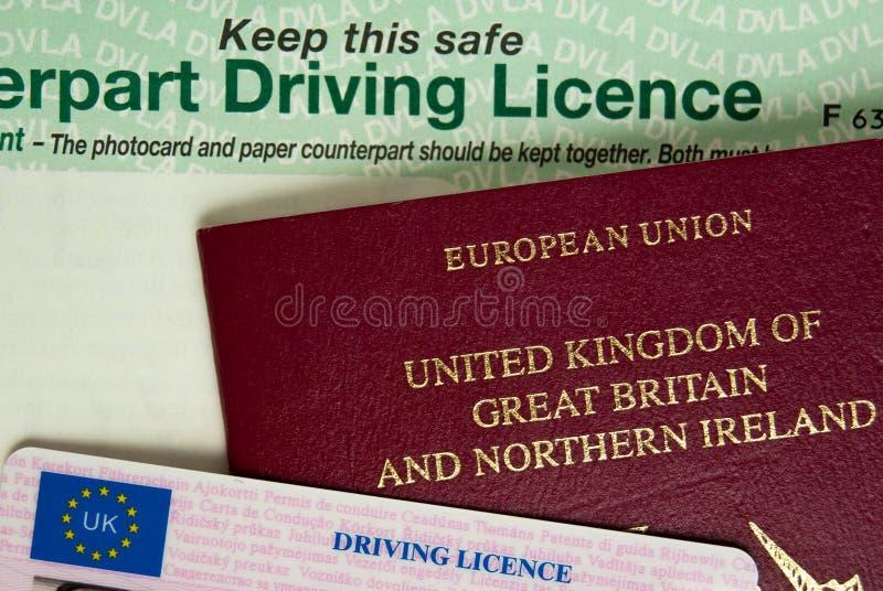Pasaporte y licencia imagenes de archivo