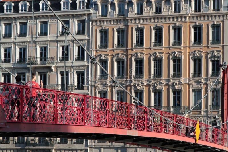 Pasarela sobre el río Saone en Lyon imagen de archivo