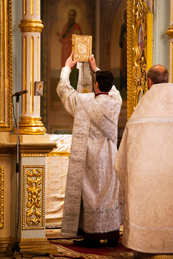 Pascua, ceremonia del rezo de la iglesia ortodoxa. imagenes de archivo