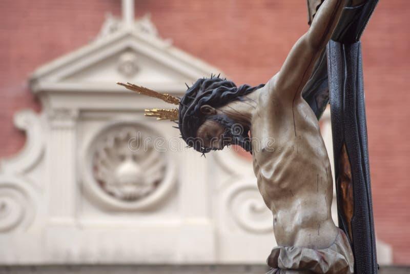 Pase el misterio de la fraternidad de St Bernard en la semana santa en Sevilla fotografía de archivo libre de regalías