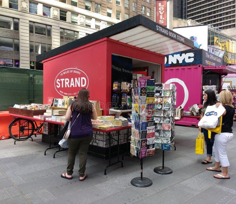 Pasemko Książkowy sklep w times square, NYC, NY, usa fotografia royalty free