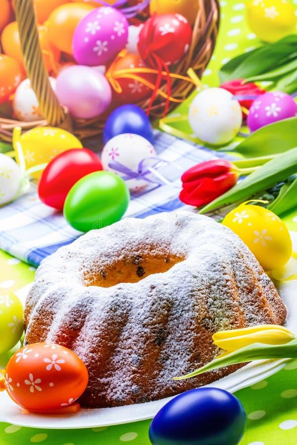 Pasen-cake stock afbeeldingen