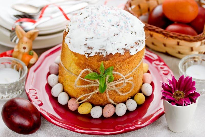 Pasen-cake kulich, traditioneel Russisch Pasen-brood stock afbeelding