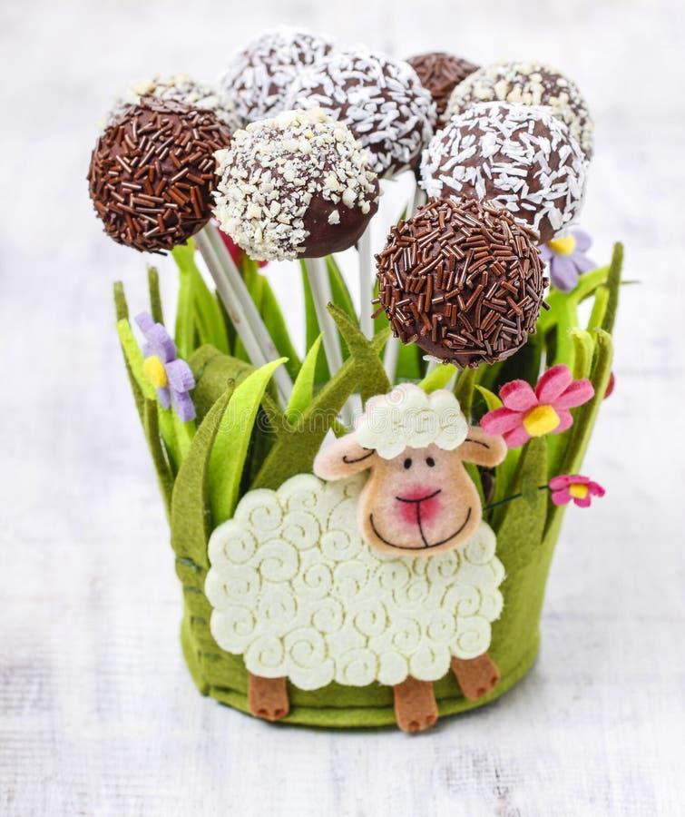 Pasen-de chocoladecake knalt royalty-vrije stock foto's