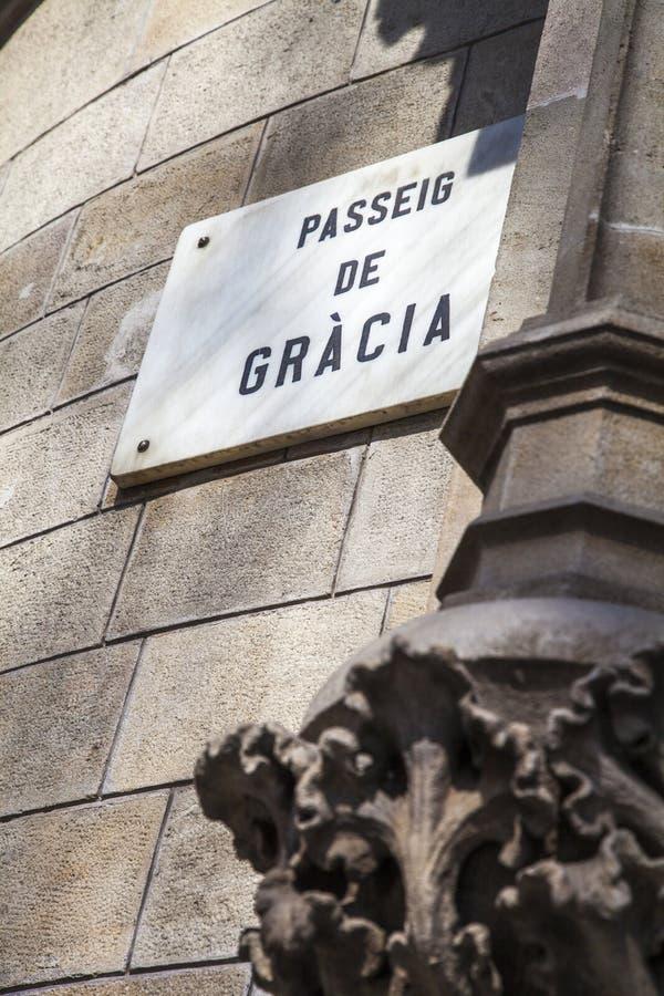 Paseo de Gracia aveny, den lyxiga gatan av Barcelona arkivbild