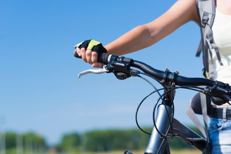 Download Paseo de la bicicleta foto de archivo. Imagen de diversión - 64207460